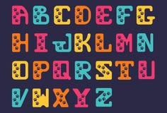 资本大胆的信件拉丁手拉的Sanserif字母表字体  与动物踪影的风格化字母表  库存例证