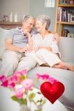 资深夫妇和华伦泰心脏3d的综合图象 免版税库存照片