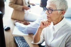 资深女性事业专家,事务,会计,律师,公司,ceo 免版税库存图片