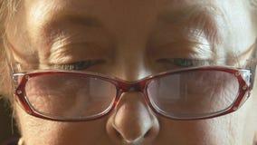 资深妇女的眼睛 免版税库存照片