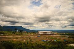 赌博娱乐场在崇公Arn Ma,泰国柬埔寨过境的新度假旅馆大厦(称Ses在柬埔寨)相对于Ubon 免版税图库摄影