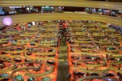 赌博娱乐场地板小游艇船坞海湾铺沙手段新加坡 库存图片