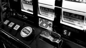 赌博娱乐场老虎机特写镜头 免版税库存照片