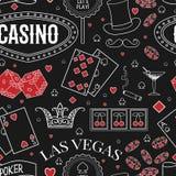 赌博娱乐场题材 与装饰元素的无缝的样式在黑板 赌博的标志 皇族释放例证