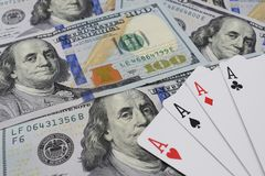赌博娱乐场,真正的金钱 在就餐费美元 免版税库存照片