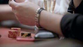 赌客在赌博娱乐场 股票视频