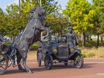 赛勒斯埃弗里百年广场在土尔沙-土尔沙-俄克拉何马- 2017年10月17日 库存图片
