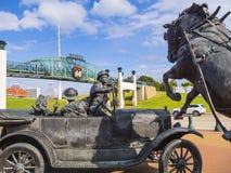 赛勒斯埃弗里百年广场在土尔沙-土尔沙-俄克拉何马- 2017年10月17日 免版税库存照片