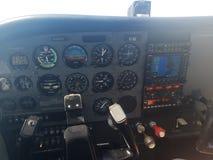 赛斯纳172驾驶舱 免版税库存图片