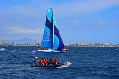 赛跑与VIP可膨胀的肋骨富豪集团海洋种族阿利坎特的Vestas第11个小时2017年 免版税图库摄影