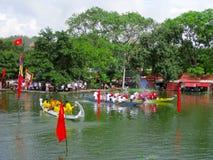 赛跑传统小船 图库摄影