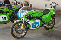 赛跑摩托车川崎KR 350的葡萄酒 库存图片