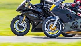 赛跑摩托车的特写镜头 免版税库存图片