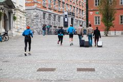 赛跑者做准备 免版税库存图片