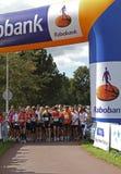 赛跑者启动对等待 免版税库存图片