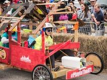 赛跑议院的红色公牛 免版税库存照片