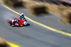 赛跑边车的摩托车 免版税库存图片