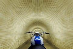 赛跑隧道 免版税库存照片