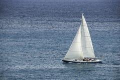 赛跑Sloop在加勒比 库存图片