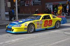 赛车在圣帕特里克` s天游行渥太华,加拿大 免版税库存图片