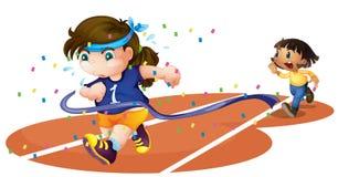 赛马跑道的女孩 免版税库存图片