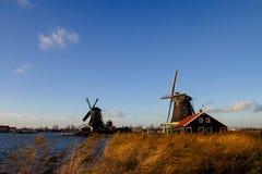 赞丹architekture -磨房在荷兰 库存图片