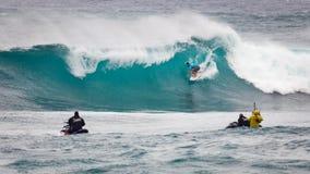 赞成冲浪者日落海滩夏威夷 免版税图库摄影