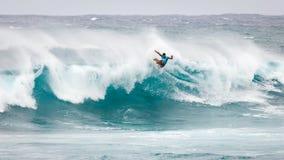赞成冲浪者日落海滩夏威夷 免版税库存图片
