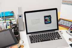 赞成苹果电脑新的iPad, iPhone 6s, 6s加上和苹果计算机电视 免版税库存照片