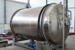 赞成酒发酵tankWinery companyThe最旧的酒farmwine 免版税图库摄影