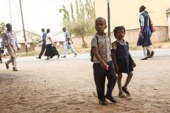 赞比亚- 2013年10月14日:当地人民在赞比亚着手生活 库存照片