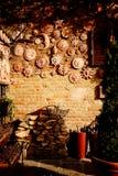 赤土陶器太阳装饰的手工制造收藏 免版税库存照片