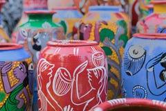 赤土陶器罐,印地安工艺品公平在加尔各答 免版税库存照片