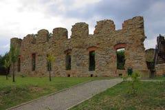 赤脚卡默利特平纹薄呢父亲的修道院的废墟Zagà ³ rze的在萨诺克(波兰, Podkarpackie省)附近 库存图片