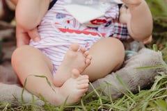 赤脚婴孩 免版税图库摄影