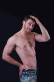 赤裸上身的英俊的人画象  库存图片