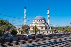 赤褐色Gallipoli清真寺在悉尼郊区 库存图片