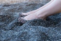 赤足在沙子 免版税库存图片