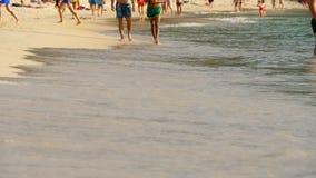 赤足海滩走 股票录像