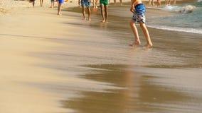 赤足海滩走 影视素材