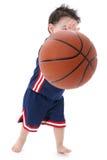 赤足篮球小球员 库存照片