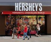 赫尔希` s商店在时代广场 库存照片