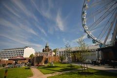 赫尔辛基城市视图有弗累斯大转轮的 图库摄影