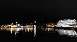 赫尔辛基夜视图 免版税库存图片
