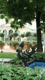赫尔辛基广场公园和艺术Nouveau咖啡馆 免版税库存图片