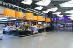 赫尔辛基机场内部 库存照片