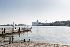 赫尔辛基港的看法  这是连接芬兰的许多国际轮渡之一,到其他国家 这 库存图片