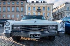 赫尔辛基,芬兰老汽车卡迪拉克黄金国 库存图片