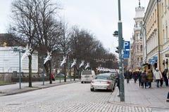 赫尔辛基,芬兰- 2016年11月17日:在城市街道上 免版税库存照片