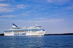 赫尔辛基, FINLAND-AUGUST 18 :Silja线轮渡从regula赫尔辛基航行,芬兰Silja 8月18日2013.Paromy港线  免版税库存照片